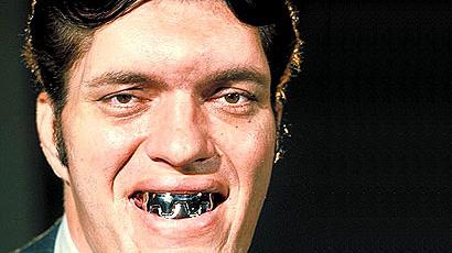 """Richard Kiel: è morto """"Squalo"""", il gigante coi denti d'acciaio di 007"""