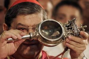 Napoli, sangue di San Gennaro si è sciolto: il miracolo si è rinnovato