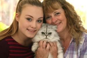 Lesley Pleasant fa bagno al gatto: finisce in ospedale per i graffi