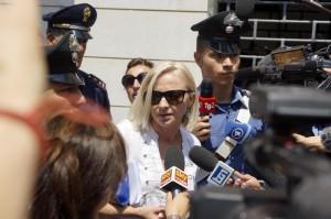 """Domnica Cemortan, ultimatum a Francesco Schettino: """"Dì la verità o parlo io..."""""""