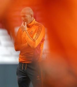 Zidane rischia fino a 6 mesi di squalifica: allena senza patentino