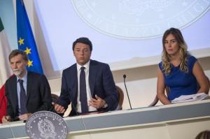 """Matteo Renzi alla giornalista: """"Mi ha interrotto il climax"""""""