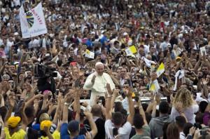 """Libero: """"Sulla comunione ai divorziati il Papa sta spaccando la Chiesa"""""""