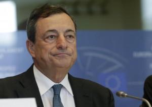 Draghi: Avanti contro Germania. Merkel: Crescita con austerity si può