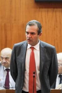 """Grasso contro De Magistris: """"Deve dimettersi"""". Lui: """"Via i giudici"""""""
