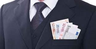 """Stipendi statali, quei 4.800 euro """"in meno"""" in cinque anni"""