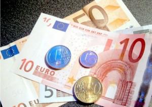 Stipendio medio italiano a 1327 euro al mese. Quasi 7 milioni sotto i mille euro