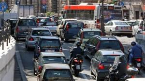 Roma, addio ai parcheggi gratuiti. La sosta si pagherà ovunque