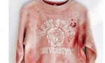 Urban Outfitters, felpa con macchie di sangue (finto): venduta poi rimossa