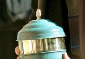 "Genova. Ladri rubano urna funeraria. Alessandro Terreni: ""Ridatemi mio padre"""