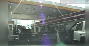 Usa. Levar jones, nero, guida senza cintura: agente gli spara senza motivo VIDEO