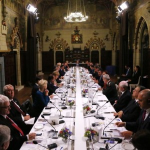 Vertice Nato. Uniti contro l'Isis, incerti verso la Russia