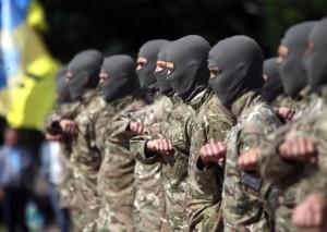 I volontari del battaglione Azov (foto Ansa)