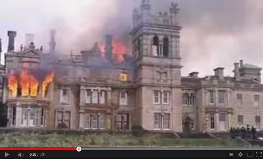L'incendio, la maledizione: da un secolo nessuno vuole la casa gioiello FOTO