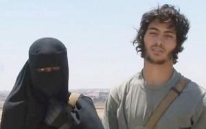 """Isis, 50 donne da Londra alla jihad: """"Vogliamo sposare i terroristi"""""""