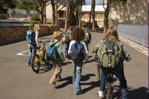 Caro scuola: qualche esercizio e una Winx in più costa 1.300 euro a famiglia