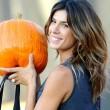 Los Angeles, Elisabetta Canalis compra la zucca per Halloween FOTO02