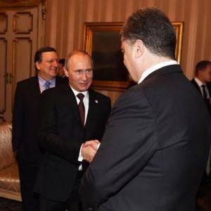 "Asem, Putin in ritardo, poi vede Poroshenko. Renzi: ""Droni ai confini ucraini"""