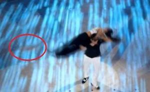 """Giusy Versace a """"Ballando con le stelle"""" perde la protesi alla gamba VIDEO"""
