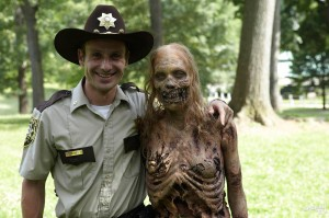 Ebola: sono gli zombie! No, spot Big Pharma! Il Demone Bianco o i militari...