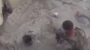 Afghanistan, marine colpito alla testa: proiettile rimbalza su elmetto VIDEO