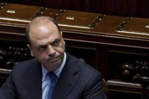 """Operai Ast, Alfano: """"Settimane difficili, ma tavolo permanente coi sindacati"""""""