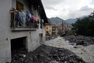 Alluvione Genova, due treni bloccati vicino a Rossiglione. Resta allerta 2