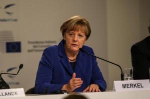 Merkel: Ddr? Tutti studiavano per diventare fiorai, ma non c'erano soldi per i fiori