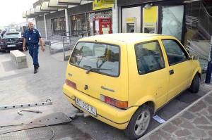 """Bologna, """"gioco della macchina gialla"""": minorenne in ospedale, trauma cranico"""