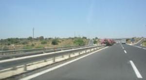 Tir travolge operai su autostrada Catania-Siracusa: 3 morti e un ferito