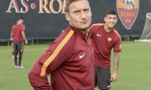 """Roma. Francesco Totti """"giornalista"""": risponderà tifosi sul Corriere dello Sport"""