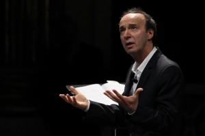 """Roberto Benigni, il 15 e 16 dicembre """"I 10 comandamenti"""": show su Rai Uno"""