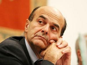 """Bersani a Renzi: """"#staisereno, no scissioni e rispetta i sindacati"""""""