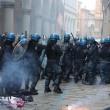 Bologna, Ignazio Visco all'università, scontri centri sociali-polizia05