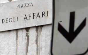 Borse falliscono il recupero: Milano vira in rosso