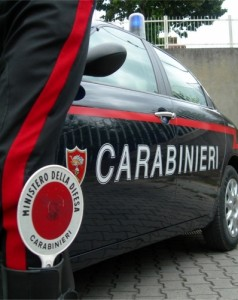 Salerno, tre bambini in strada all'alba a cercare la madre cacciata dal padre