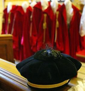 Corte costituzionale, fumata nera numero 19: voto riprende il 16 ottobre
