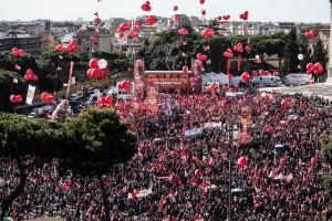 La manifestazione Cgil a Piazza San Giovanni a Roma (Ansa)