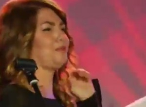 "Cristina D'Avena canta ""Occhi di Gatto"" a Webnotte VIDEO"