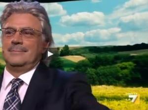 """Crozza veste i panni di Antonio Razzi: """"L'ebola? Fatti i c...tuoi"""" VIDEO"""