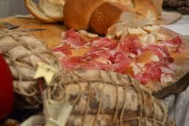 Prosciutto cotto e culatello senza maiale: bozza ministero contro Made in Italy