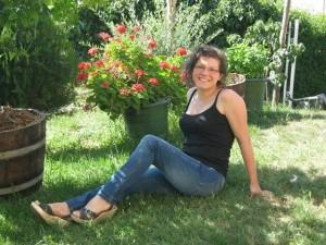 Guarda la versione ingrandita di Elena Ceste, telone accanto al corpo. Controlli in serra di Michele Buoninconti