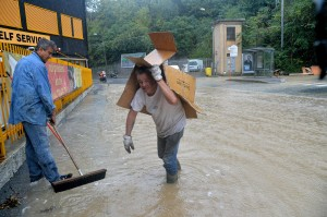 Alluvione Genova, una bolla d'acqua che si rigenera e uccide