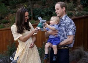 """William e Kate contro fotografo-stalker: """"Perseguita il principe George"""""""