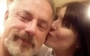 George Scott Samson spara a moglie Kelly Ecker il giorno delle nozze. E si spara