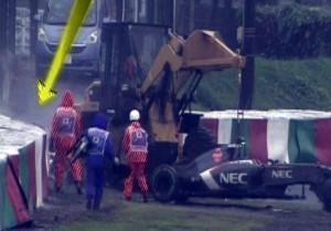 F1 torna in pista a Sochi. Jules Bianchi scritto sui caschi di tutti i piloti