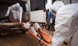"""Ebola. Domenico Quirico, un reporter a Kenema, la """"città cimitero"""". La Stampa"""