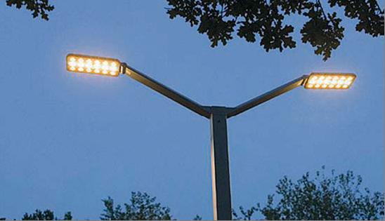 Luci al led in citt lampioni a risparmio energetico da for Illuminazione a led