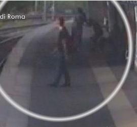 Roma, presa baby gang rapine in metro