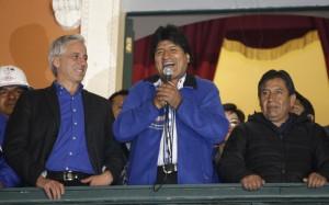 Elezioni Bolivia, Evo Morales trionfa: terzo mandato dedicato a Chavez e Fidel